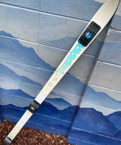 White shot ski